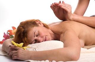 lomi-lomi-nui-massage-muenchen-behandlung