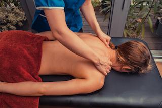 nackenmassage-bei-der-mobilen-massage
