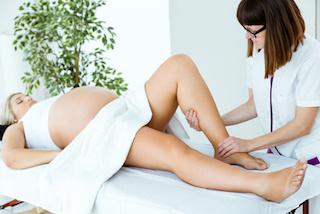 schwangerschaftsmassage-muenchen-wadenmassage